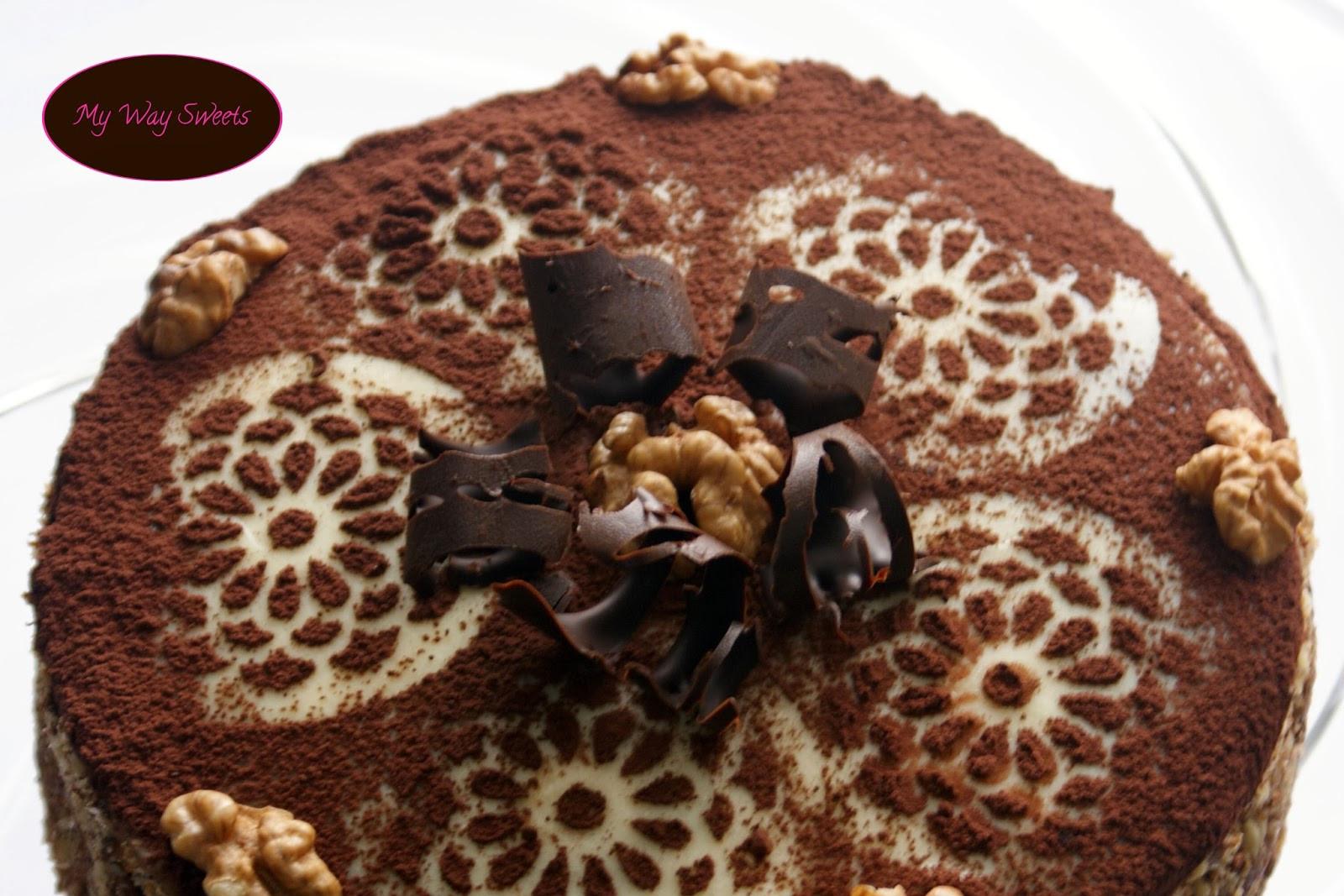 Tort orzechowo-porzeczkowy