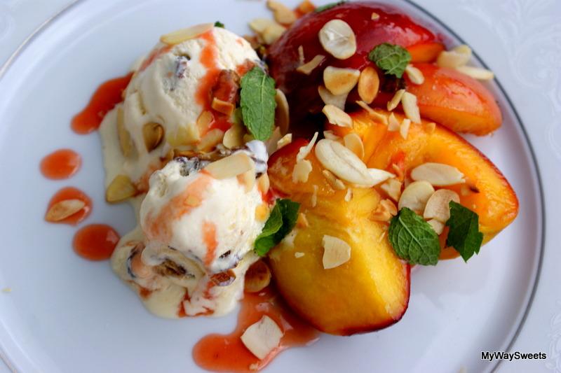 Karmelizowane brzoskwinie z lodami
